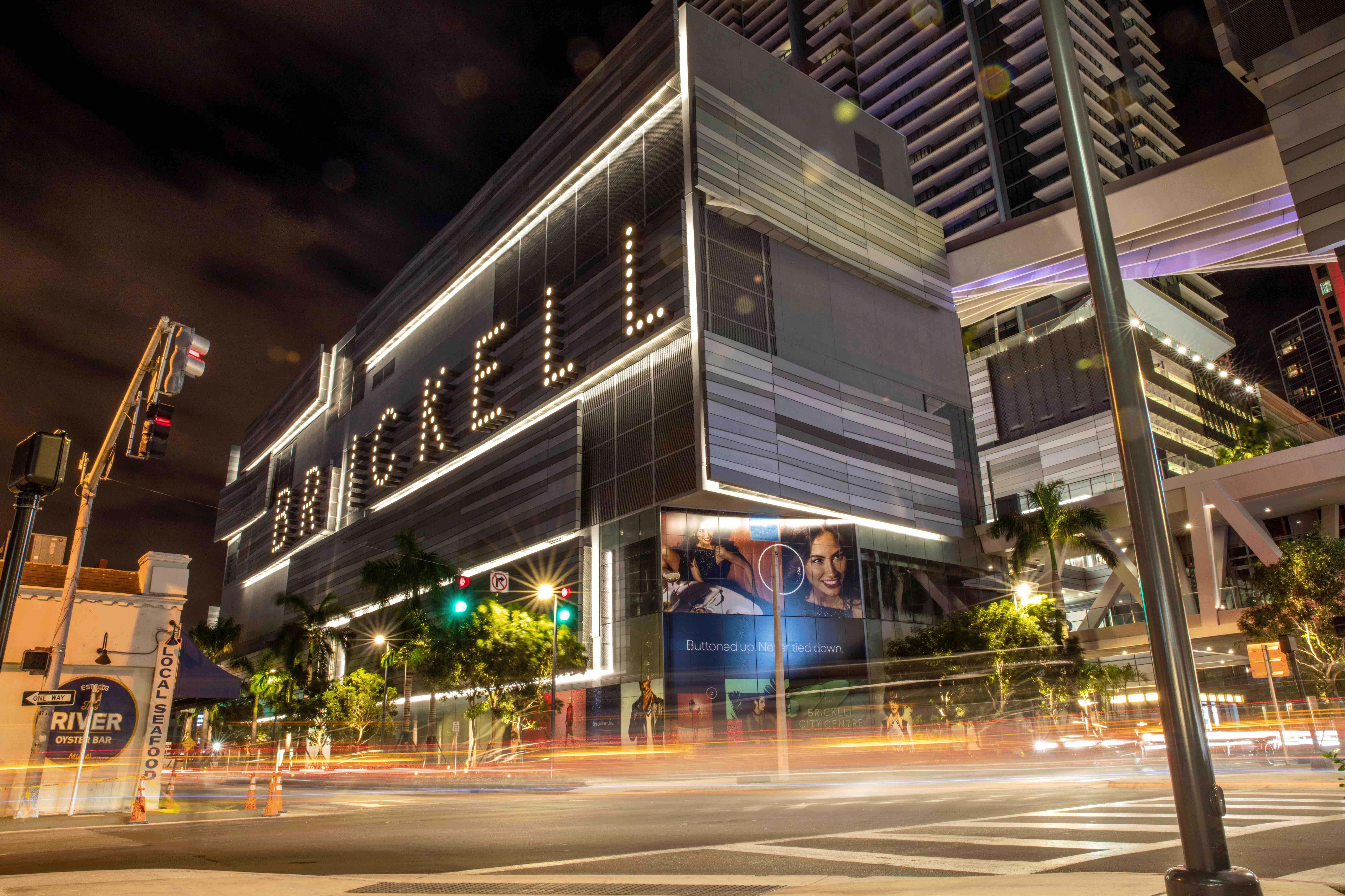 appartement à Brickell; Barnes Miami; agence immobilière Miami; achat; Acheter à Miami; vente; vendre à Miami; location; louer à Miami; immobilier de prestige Miami; appartement à Miami; appartement Miami; condo à Miami; condo Miami; maison à Miami; maison Miami; vivre à Miami; s'expatrier à Miami; achat sur plans à Miami; programmes neufs Miami; immobilier Miami; immobilier à Miami; marché immobilier à Miami; MIami Beach; Coconut Grove; Brickell; Edgewater; Downtown Miami; Coral Gables; Key Biscayne; Fort Lauderdale; Wynwood; immobilier commercial; immobilier commercial Miami