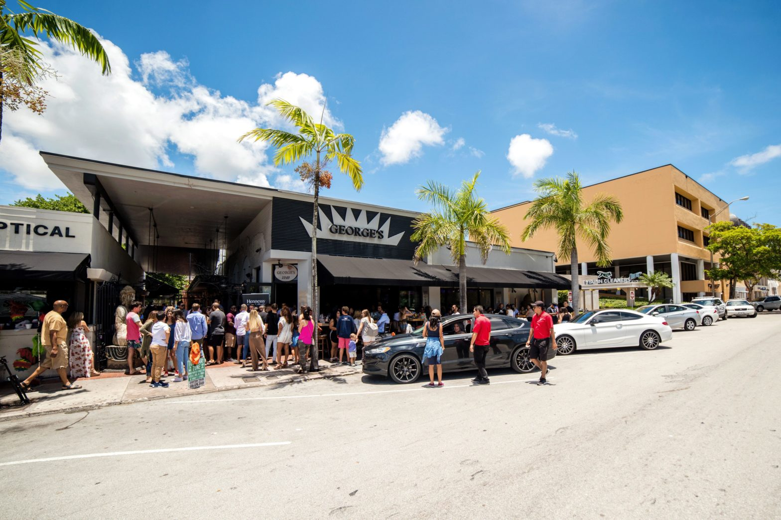 Shops in Miami: BARNES opportunities of the moment
