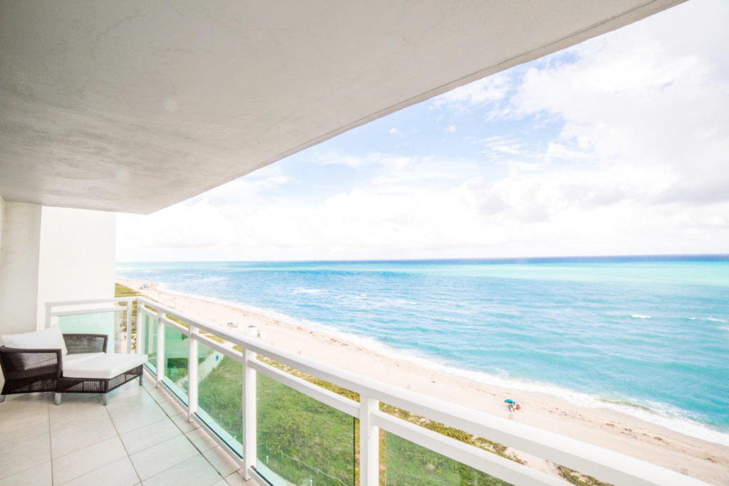 sea view apartment in Miami Beach